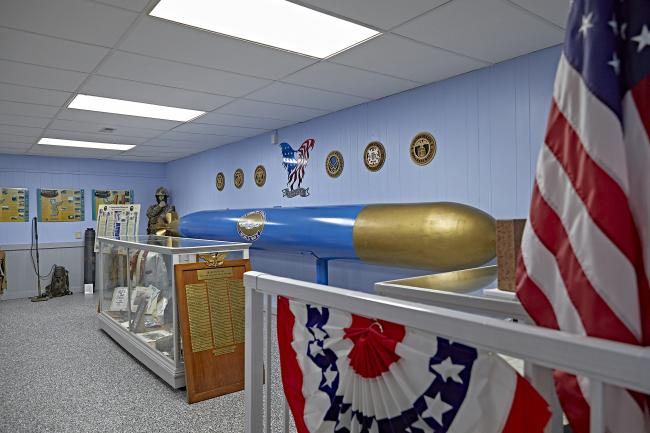 Military museum, torpedo, Arm, navy, marines, air force